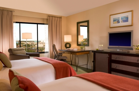 814 Newly renovated guest rooms